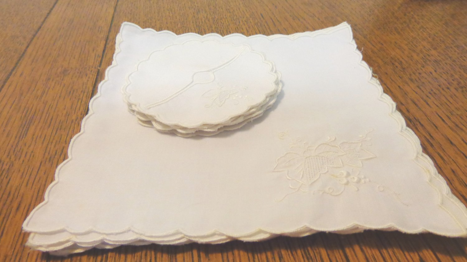 Set of 8 cocktail napkins and wine sherry glass fitted coasters whitework Madeira 16 pieces hc3400