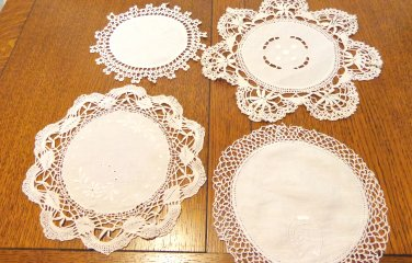 Lot of 4 antique linen cotton lace doilies various use under lamps or figurines antique  hc3403