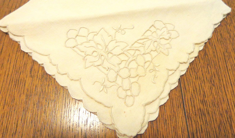 4 Elegant linen dinner napkins cutwork unused vintage hc1773