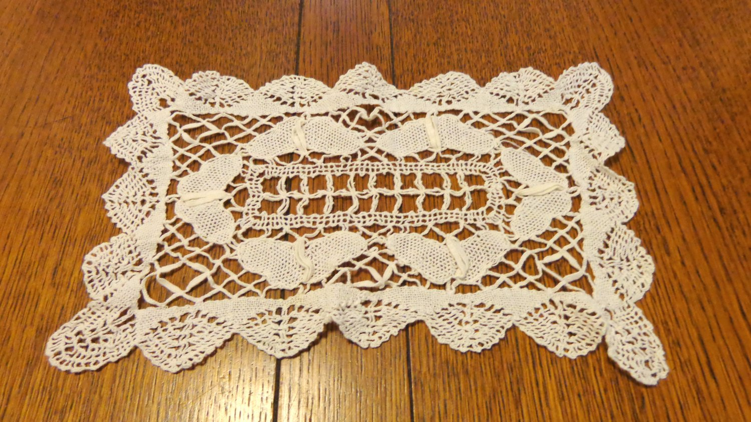 11 inch bobbin lace doily rectangular white wispy spotless perfect vintage hc345