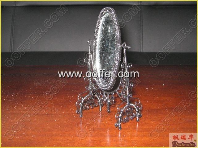 Iron Wire Craft Black Mirror