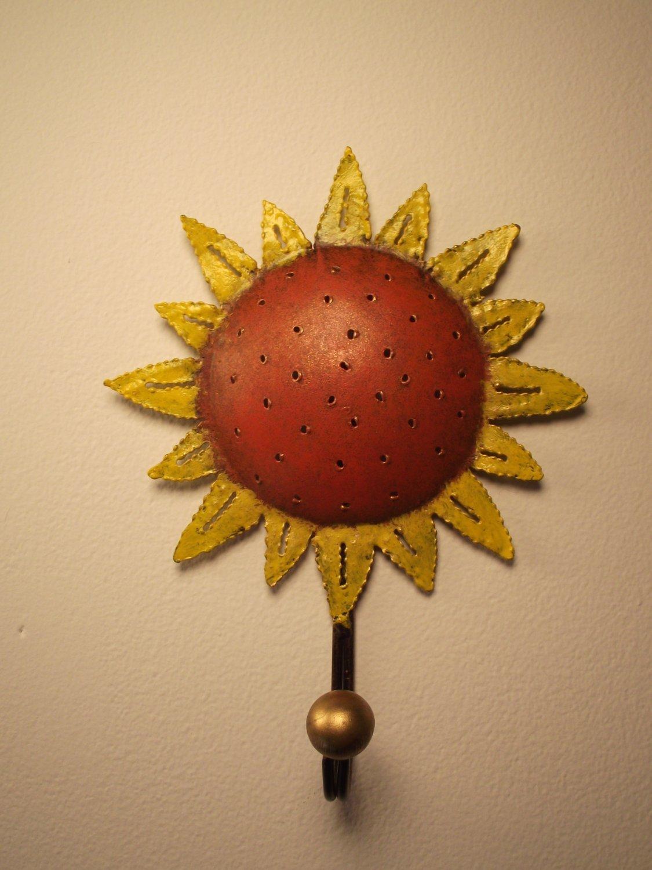Cheerful Tin Sunflower Wall Hook Kitchen Sunroom Wall Decor