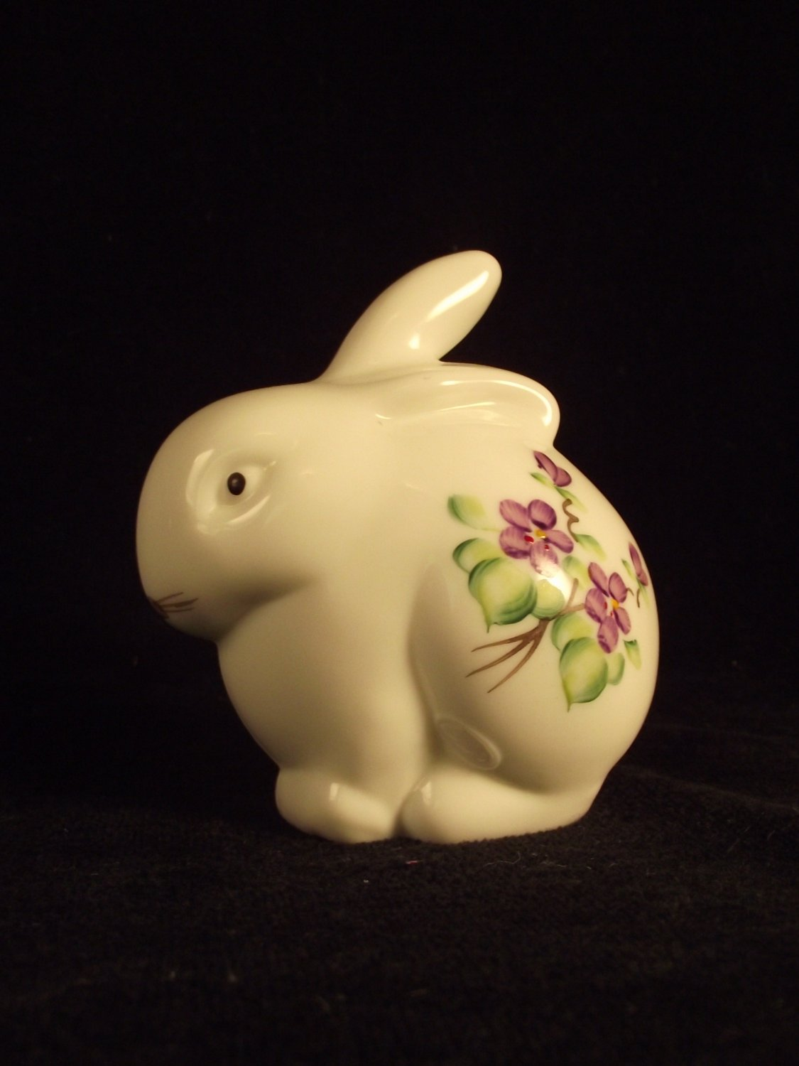 Vintage Fenton Art Glass Violets in the Snow Rabbit signed by Kay Cunningham Mint Condition