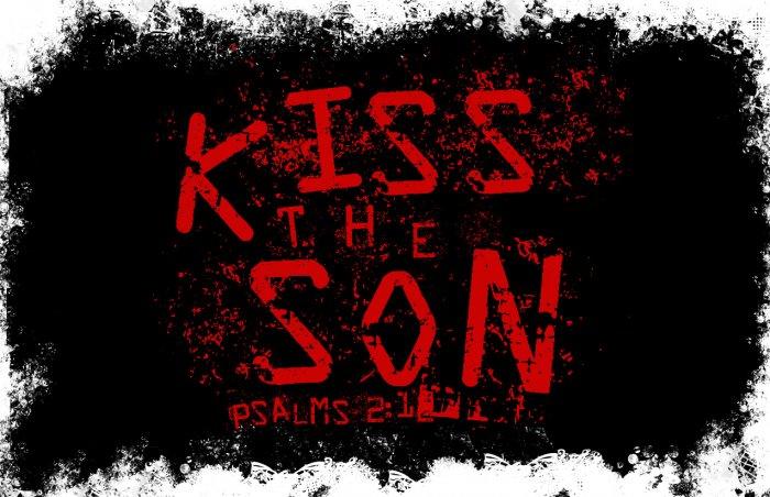 Kiss The Son Grunge
