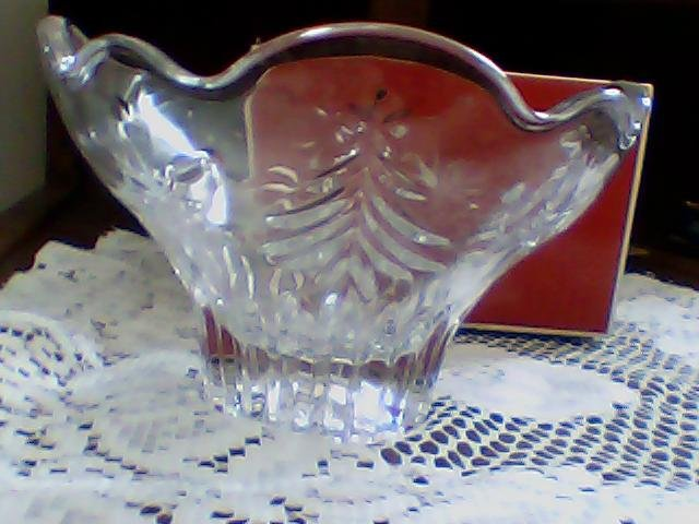 mikasa clear glass footed bowl christmas night w/box nice