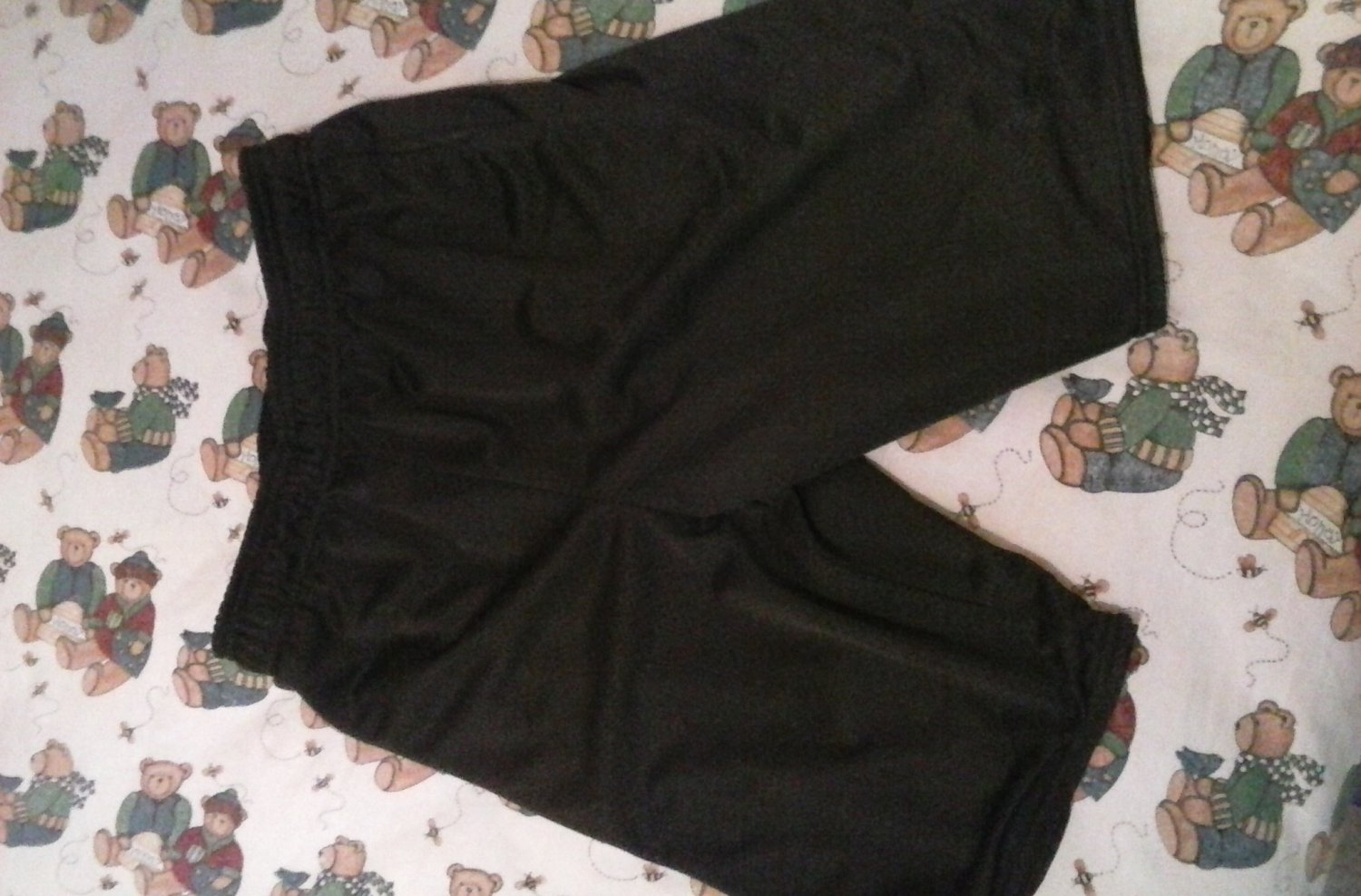 Womens black shorts starter size XL 14-16 pre-owned nice