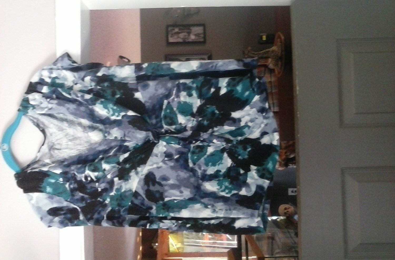 Womens apt9 short sleeve shirt size 1X colorful pre-owned nice