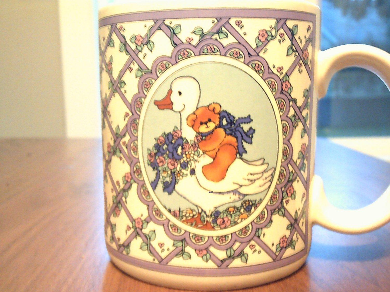 coffee cup,mug enesco lucy rigg 1986 teddy bear ride on goose