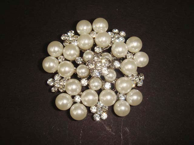 Bridal Faux Pearl Cake top Rhinestone pin brooch PI423