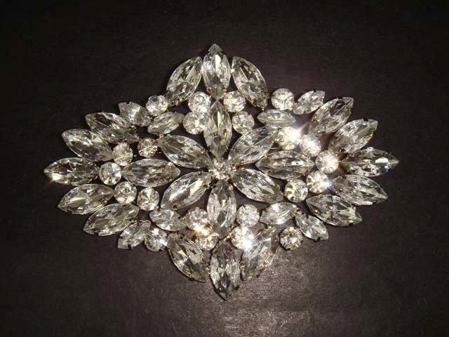 Bridal Dress Vintage style Rhinestone Brooch pin Pi316