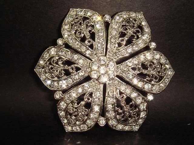 Bridal Vintage Style Rhinestone Brooch pin PI129