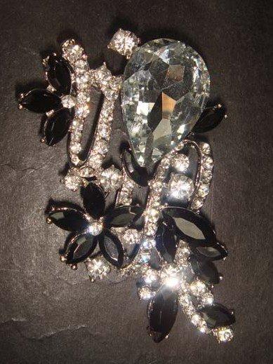 Bridal dress vintage style Rhinestone Brooch pin Pi295