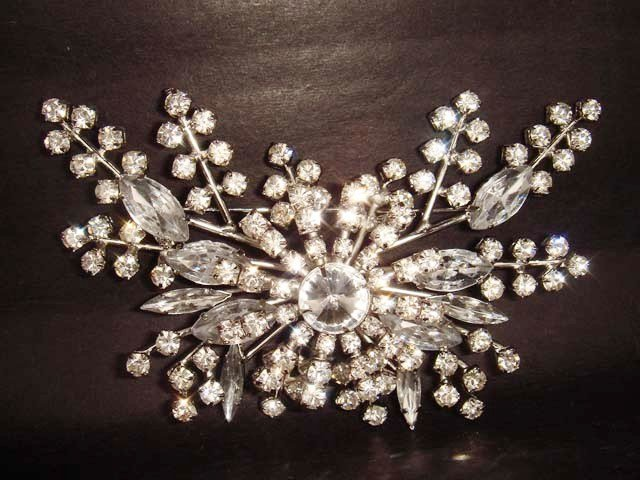 Bridal Dress Vintage style Rhinestone Brooch pin PI228