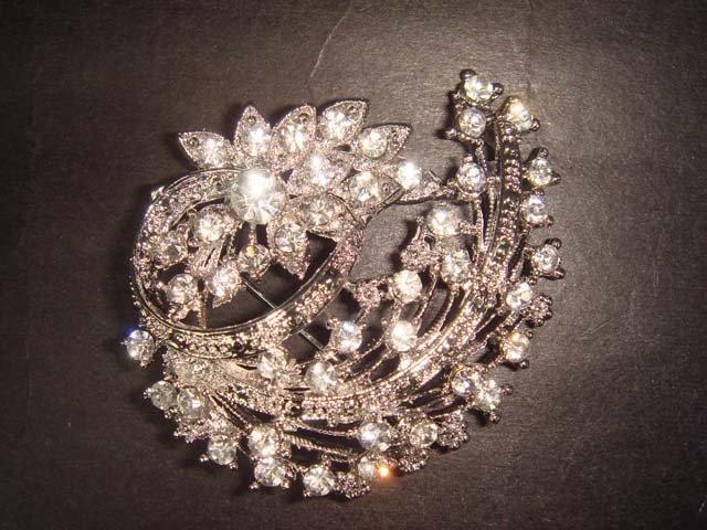 Bridal dress Vintage style Rhinestone Brooch pin Pi332