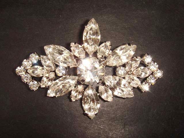 Bridal bling Vintage style Rhinestone Brooch pin PI277