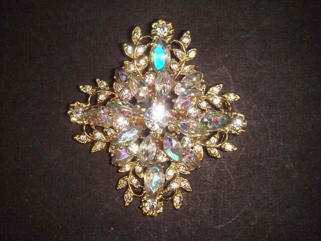 Bridal gold tone cross cake Rhinestone Brooch pin PI498