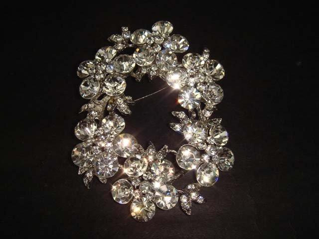 Bridal Wreath Rhinestone Pendant Brooch pin PI356