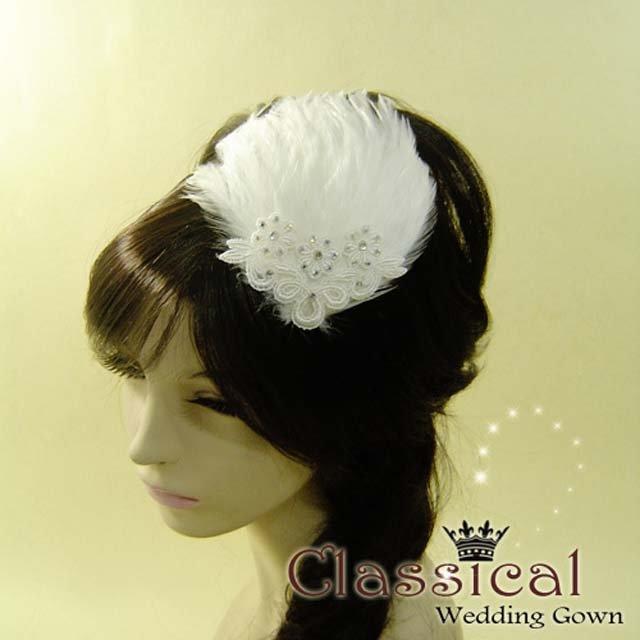 Bridal Feather white Fascinator rhinestone clip BA144