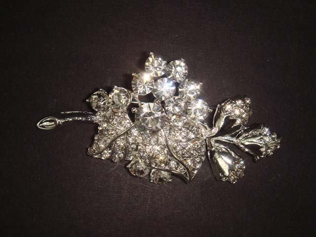 Bridal Dress Cake Flower Rhinestone Brooch pin PI452