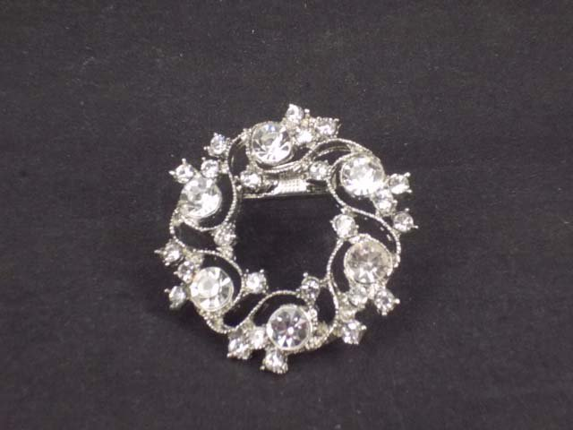Bridal Prom Round circle flower wreath rhinestone crystal scarf clip BU72