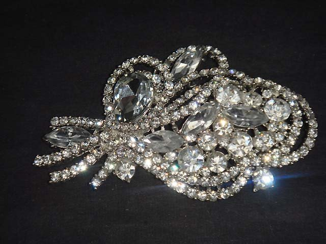 Bridal Cake Dress decoration crystal Rhinestone Brooch pin PI591