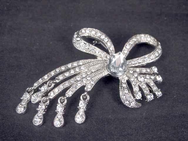 Bridal Flower dangle bow dress decoration crystal Rhinestone Brooch pin PI563