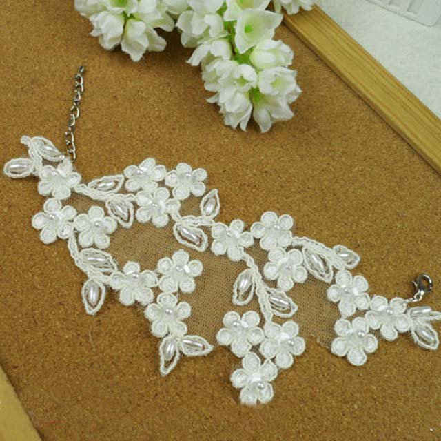Sexy flower white Lace gothic bead Bracelet BR258