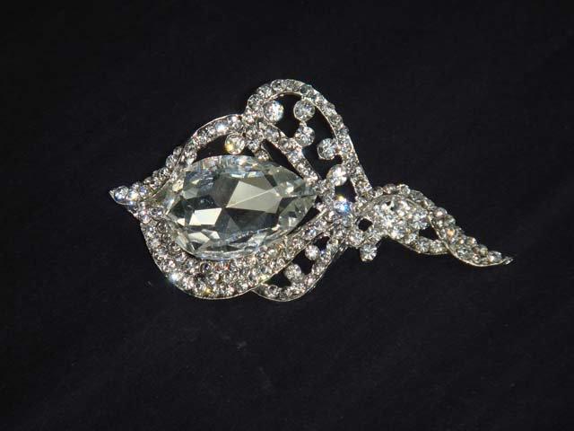 Bridal cake topper scarf decoration Corsage Czech Rhinestone Brooch pin PI524