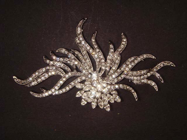 Bridal Dress decoration Silver tone Corsage Czech Rhinestone Brooch pin PI416