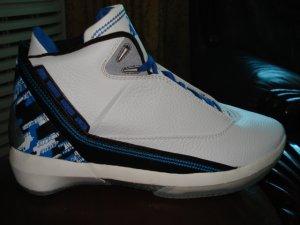 Mens Jordan XXII in Black/Blue