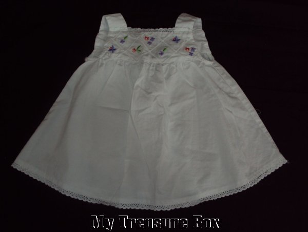 BONNIE BABY Adorable 12 M White Summery Dress/Top