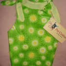 Medium REVERSABLE pet dress in green and white daisy print - dd04