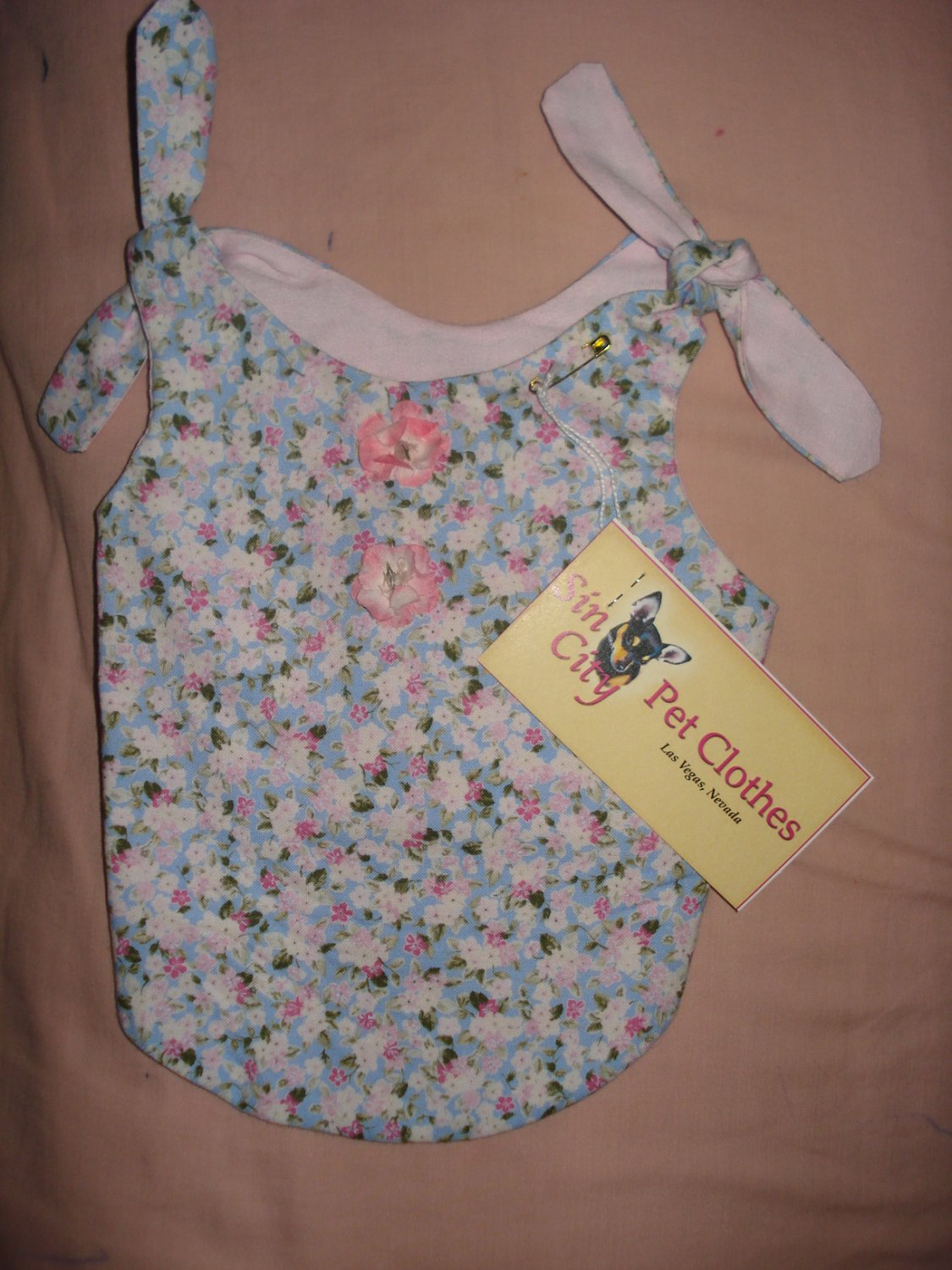 Small REVERSABLE Pet dress in pink, blue & white floral print - dd01