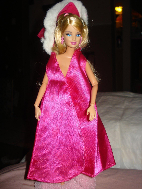 Vintage hot pink cape with white fur trimmed hood for Barbie - ev05