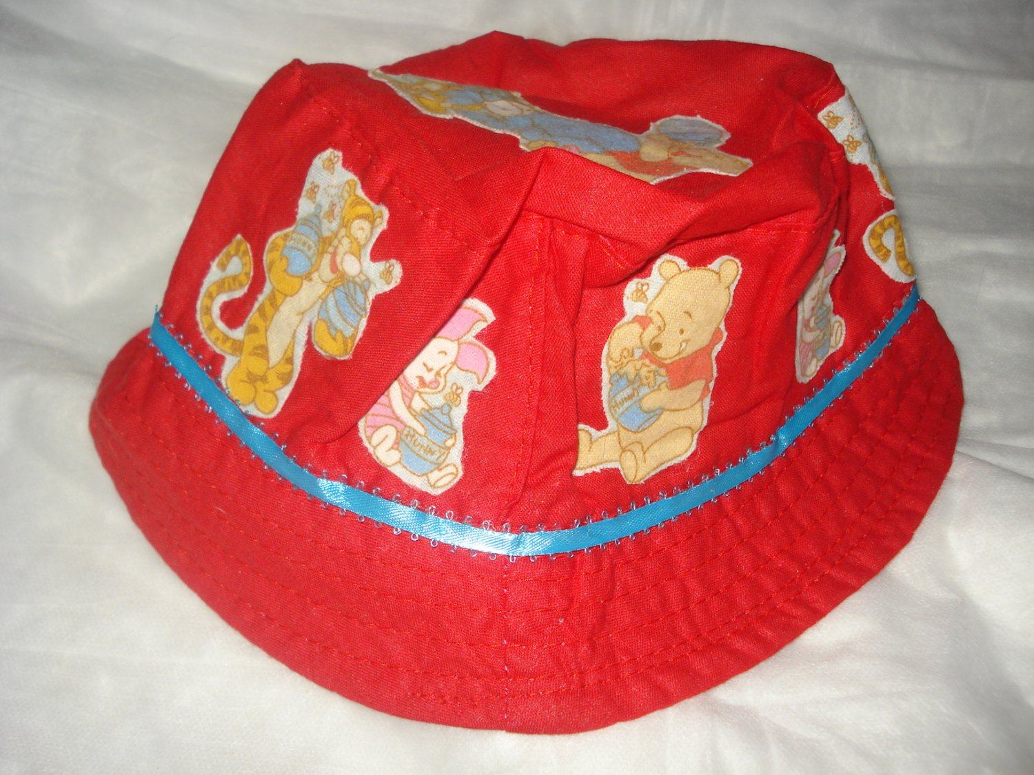 Baby / toddler hat with appliqued Winnie The Pooh and Friends - ekho1f