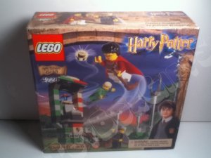 LEGO 4726 Quidditch Practice Harry Potter 128 pc Harry Potter Chamber of Secrets 2002 collectible