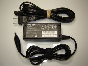 New Original OEM Toshiba PA3822U-1ACA 65 Watt 19V 2.37A Ac Adapter - A045R001L-TO02