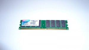 Patriot Memory 1GB DDR 400 PC 3200 CL3 184-Pin PSD1G400 DIMM Desktop Memory