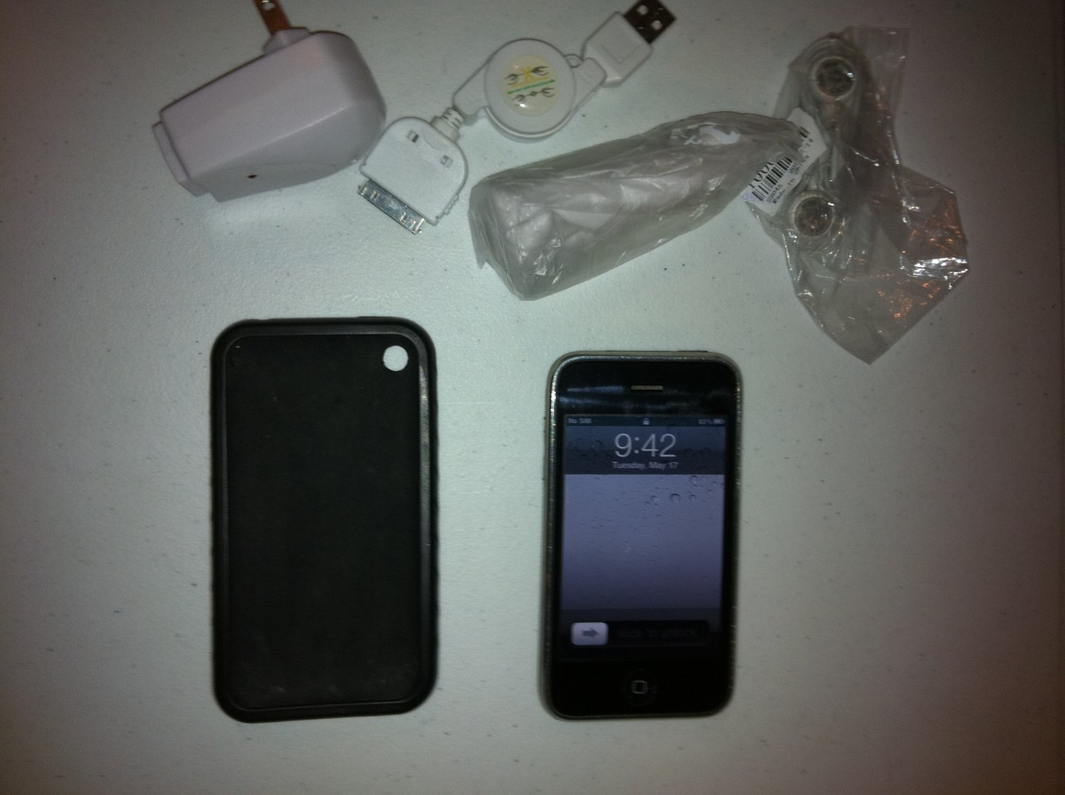 iPhone 3gs 8gb (AT&T) Fast Insured Shipping