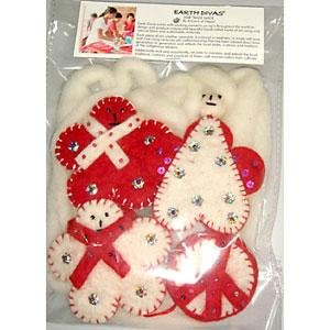 Set of 4 Felt Wool Ornaments With 8 Feet Of White Wool Garland