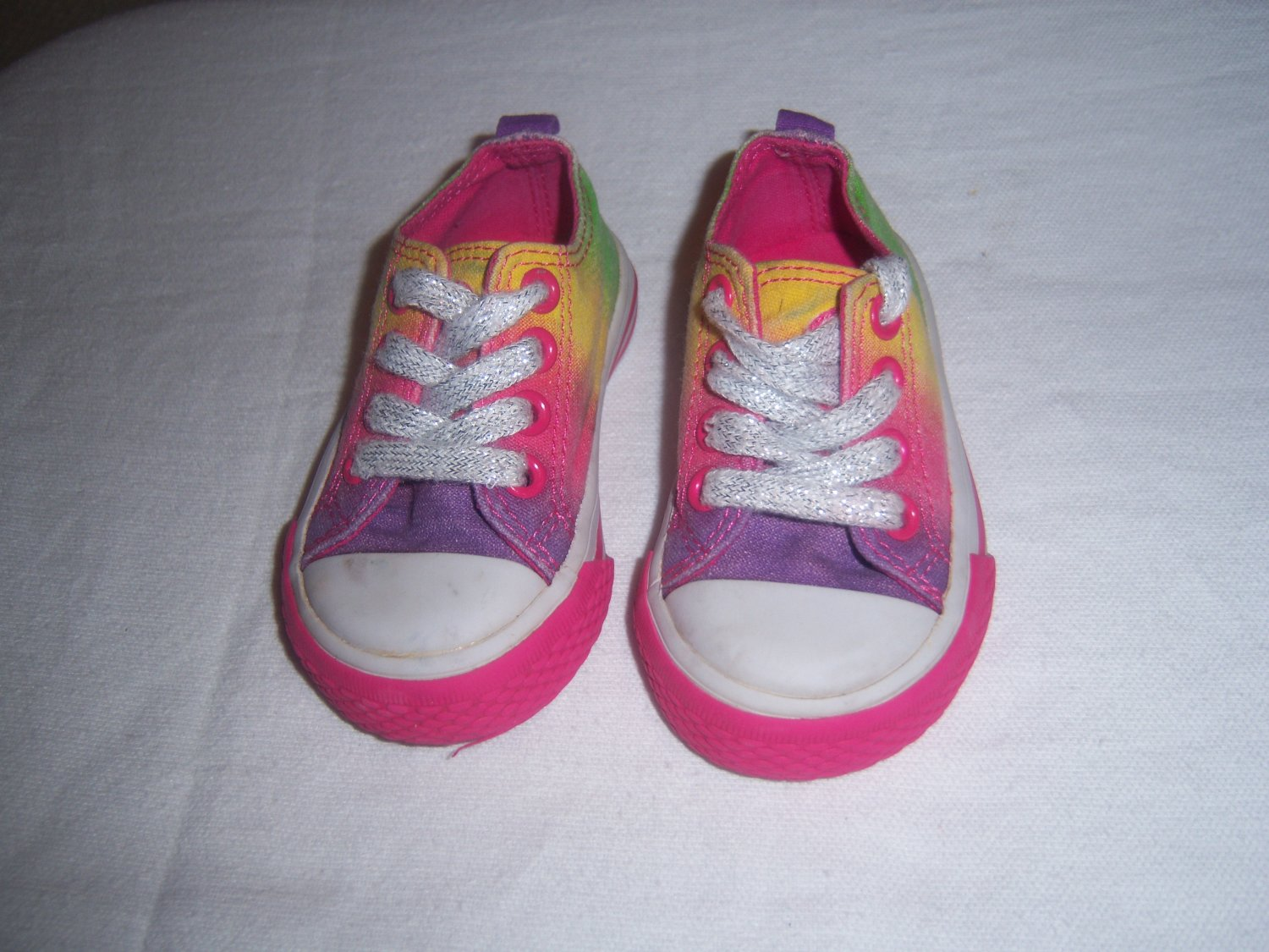 Childrens Place Toddler Girls Rainbow Canvas Sneakers Size 3M