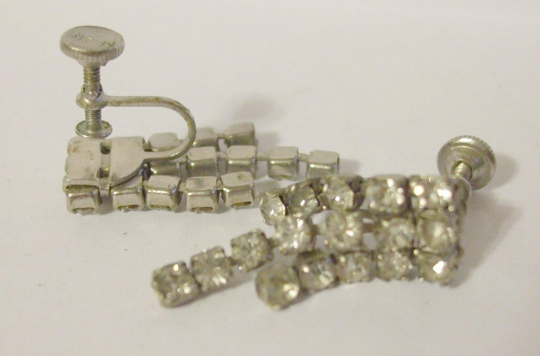 Vintage Screwback NEMO Silvertone Rhinestone Dangly Earrings