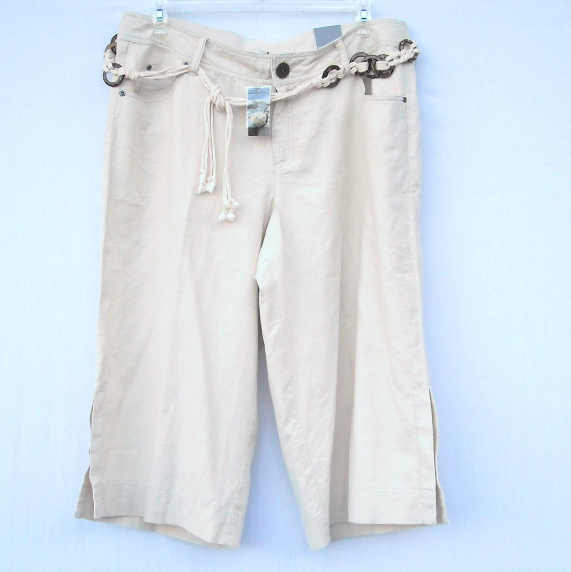 Lane Bryant Venezia Womens Tan Capri Pants Size 18