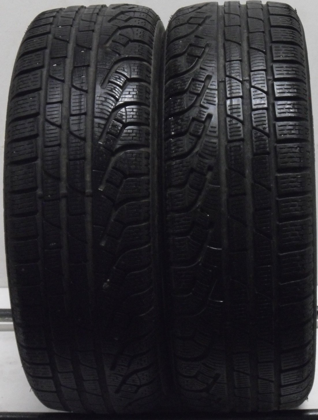 2 2056016 96H Pirelli Winter Sottozero 210 Part Worn Used Car Tyres