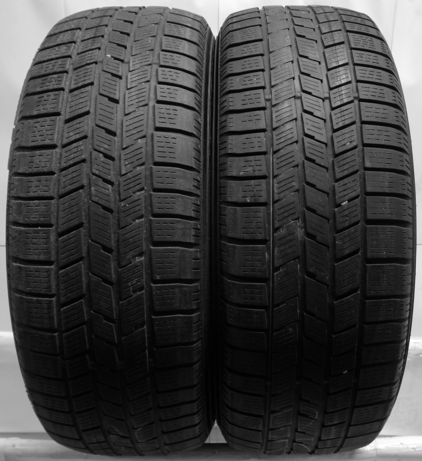 2 2356517 pirelli 235 65 17 used part worn scorpion car tyres winter m0 ice snow. Black Bedroom Furniture Sets. Home Design Ideas