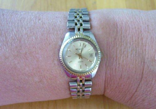 Ladies Timex Watch-Water Resistant-Vintage