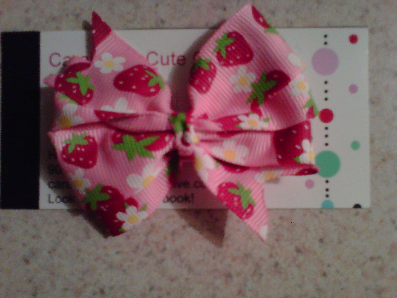 Strawberry Bliss Mini Bow Clip