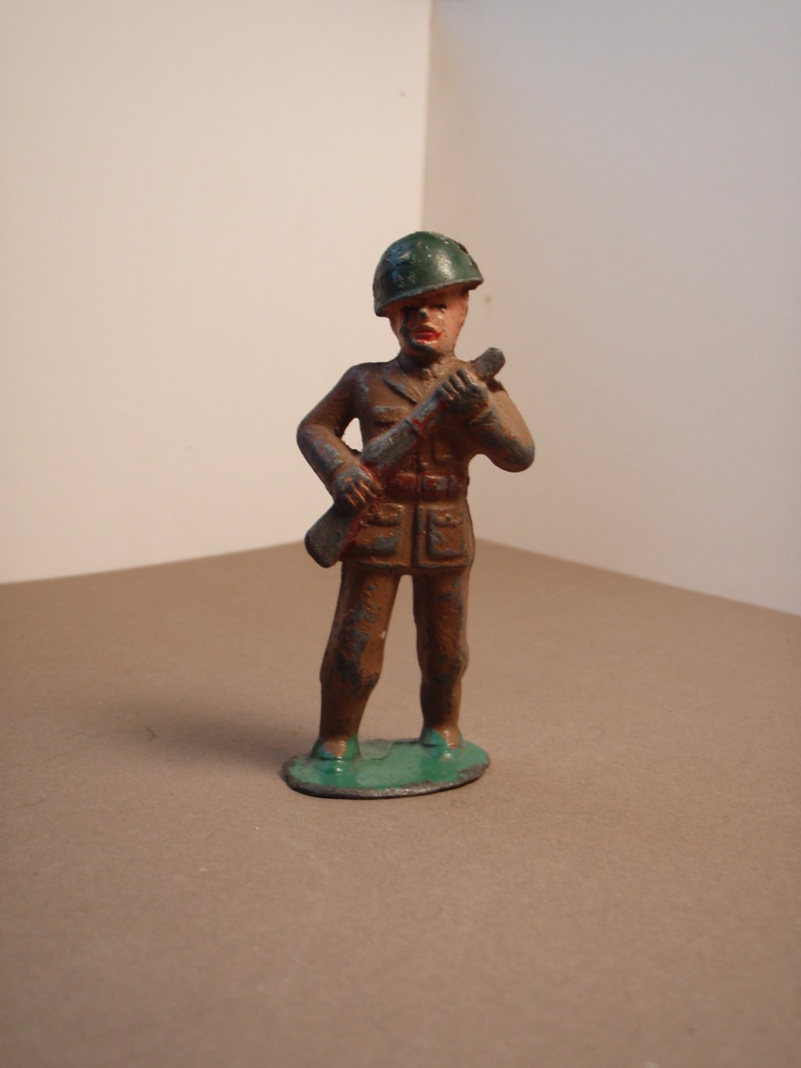 Barclay/ Manoil Lead Toy Soldier~ #705