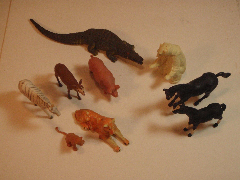 Vintage BRITAINS LTD plastic animals 1970's ( 9 Animals)