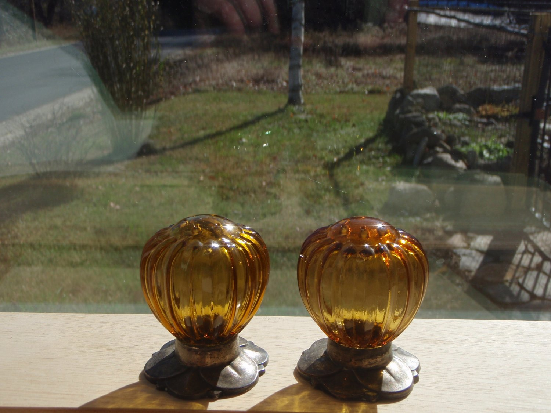 Vintage Oneida's Community Plate, Silver Base Amber Glass  Flower design Salt and pepper Shakers